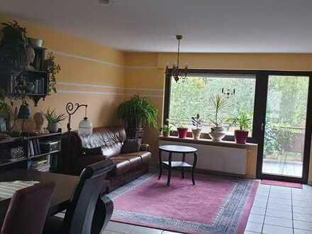 Ruhige-Maisonette-Wohnung mit Balkon und ausgebautem Spitzboden