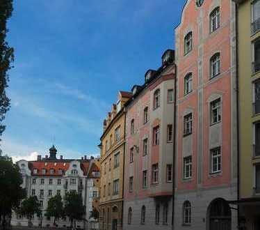 Attraktive 4-Zimmer-Altbauwohnung mit Balkon nahe Prinzregentenplatz