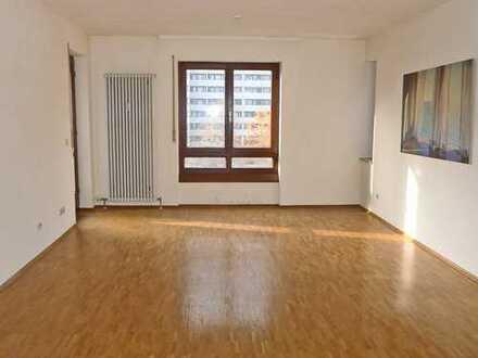 6032 - 3-Zimmerwohnung mit Balkon nähe Innenstadt-West!