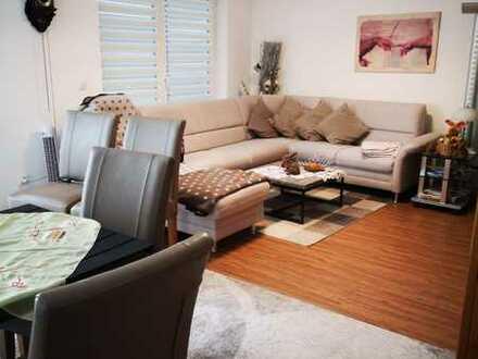 Neuwertige 3-Zimmer-Wohnung mit Terrasse und Einbauküche in Schwandorf