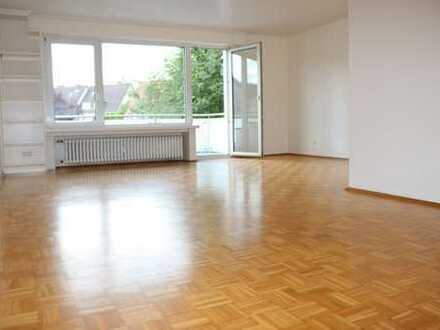 Schöne 3 Zimmer-Wohnung im 1. OG mit Balkon und Stellplatz in E-Burgaltendorf