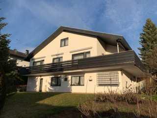 73207 Plochingen-Aussichtslage: große 2-geschossige Wohnung / 6,5 Zimmer / Balkon / Terrasse