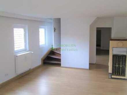 2-Raum Wohnung über 2 Etagen in 02736 Oppach zu vermieten.