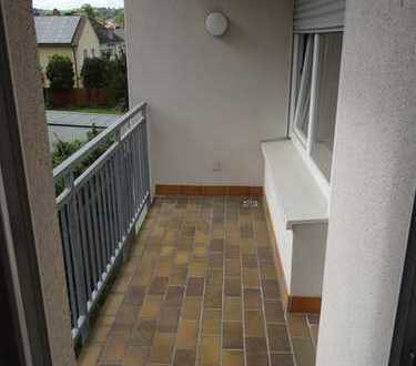 4 Zimmer Wohnung mit Balkon