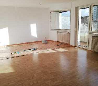 Liebevolle renovierte, 3 Zimmerwohnung in Frankfurt zentral gelegen