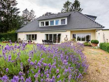Wunderschöne Villa in top Lage von Borgfeld-mit traumhaften Garten!