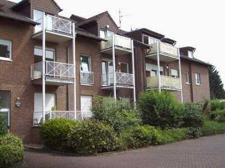 großzügige Erdgeschoßwohnung mit Balkon