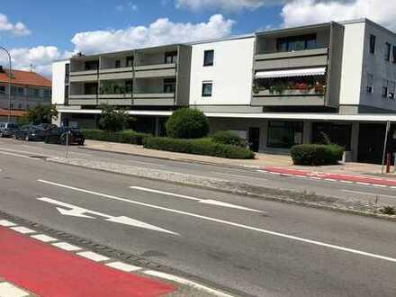 Exklusive, vollständig renovierte 3,5-Zimmer-Wohnung mit Balkon und EBK in Memmingen