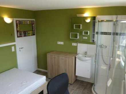 Möbiliertes WG-Zimmer mit Dusche am Südhang