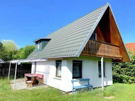 Kleines verträumtes Haus auf 700 m2 Grundstück direkt am Strand... Meeresrauschen inklusive...