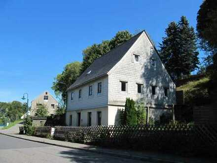 Günstiges Einfamilienhaus mit viel Potential in Tannenberg: In die Hände gespuckt & angepackt...!