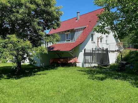 Traumhafte 4-Zimmerwohnung am Waldrand bei Waldburg