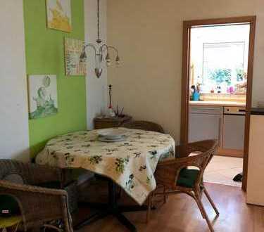 Helle Wohnung mit Terrasse in guter Lage!