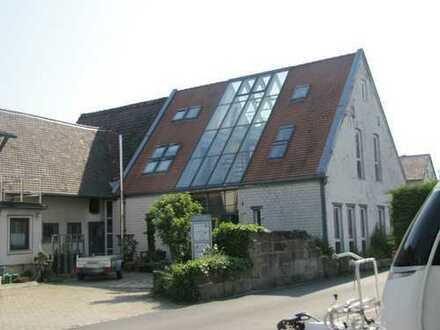 ** Außergewöhnliche Gewerbeeinheit ** zur Nutzung als PRAXIS / BÜRO im Süden Nürnbergs