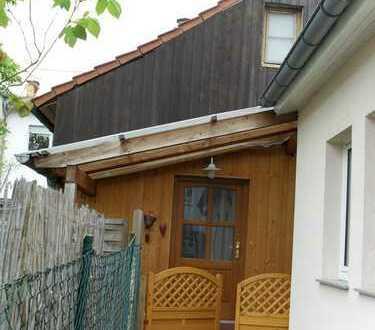 Kleines freistehendes Einfamilienhaus mit drei Zimmern in Schwetzingen