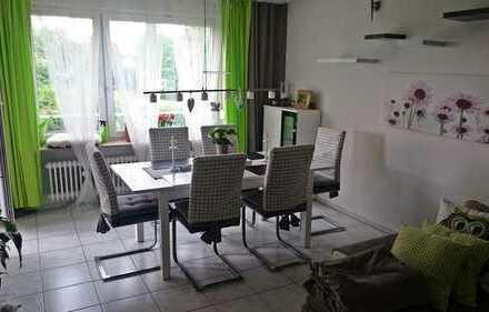Schöne 3-Zimmer-Wohnung mit Balkon und EBK in Pforzheim-Huchenfeld