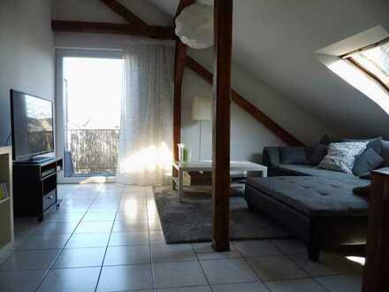 Neheim, 2-Raum-DG-Wohnung mit Balkon und PKW Stellplatz