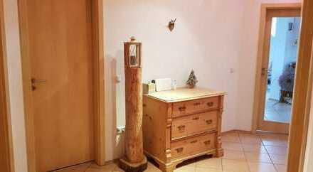 Gepflegte 3,5-Zimmer-Wohnung mit Einbauküche in Tünzhausen