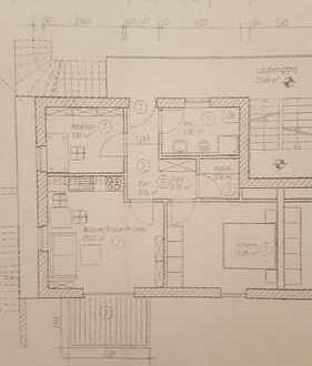 TOP LAGE - helle 3 Zimmer Wohnung mit Einbauküche und Balkon