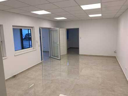Bodenheizung / Barrierefrei Schickes Büro mit Bad
