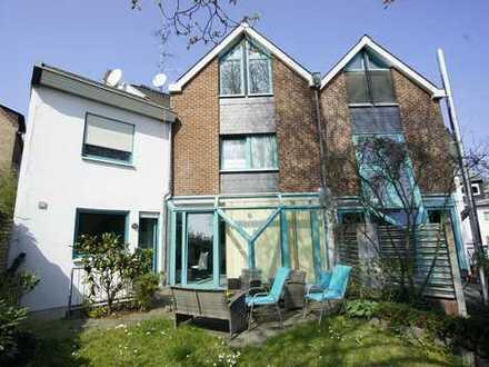 Sonnige Doppelhaushälfte mit Terrasse und eigenem Garten in Walluf!