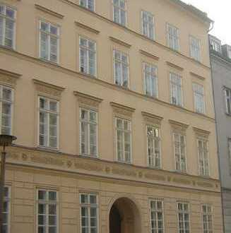 Bild_Helle 3-Zimmer Altbauwohnung in Mitte
