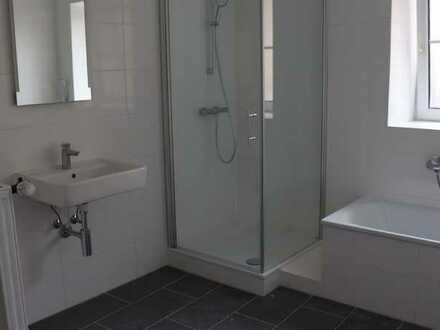 Erstbezug nach Sanierung: attraktive 4-Zimmer-Wohnung mit Balkon in Walzbachtal
