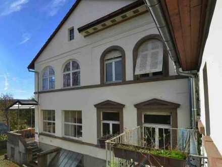 """Repräsentativer Wohn- oder Firmensitz! Denkmalgeschützte Jugendstilvilla mit Nebengebäude!"""