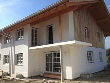 Doppelhaushälfte in Peißenberg/Wörth im modernen Landhausstil in gehobener Ausstattung