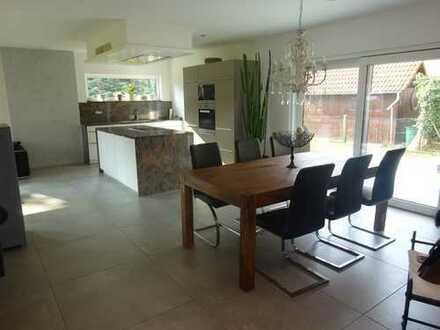 Modernes Wohnen - Neuwertiges Einfamilienhaus mit hochwertiger Ausstattung und Doppelgarage!