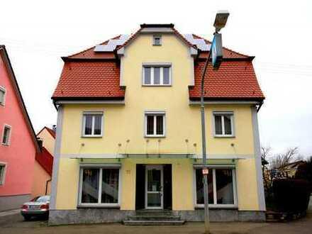Freistehendes Einfamilienhaus mit Ladenlokal im Zentrum von Altshausen