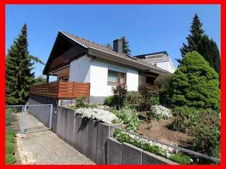 Freistehendes Einfamilienhaus mit Einliegerwohnung in attraktiver Lage!