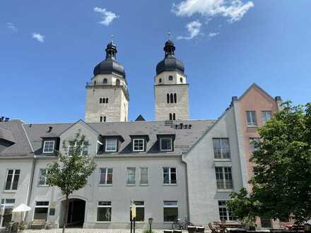 ETW in Plauen, direkt am Markt, 2 Zi. ca. 47 m², TG-Stellplatz, schöner Blick über Plauen