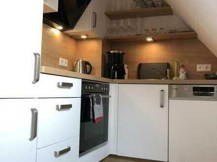 Erstbezug n. Sanierung: möblierte 2-Zimmer-DG-Wohnung in Griesheim