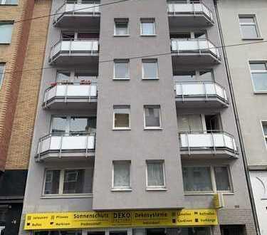 Frisch sanierte / renovierte, stilvolle 1-Zimmer-Wohnung mit Einbauküche und Balkon in Düsseldorf