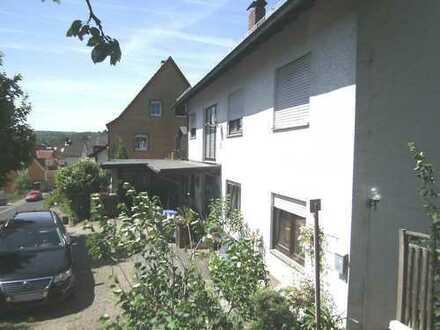 Gepflegte 4-Zimmer-Terrassenwohnung mit Einbauküche in Heimbuchenthal