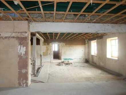 18_RH430 Ausbaufläche für Wohnungen oder Gewerbe / Nähe Nittenau