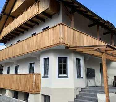 Erstbezug nach Kernsanierung! Charmante Dachgeschoss-Wohnung in kleiner ruhiger Wohnanlage Bad Tölz
