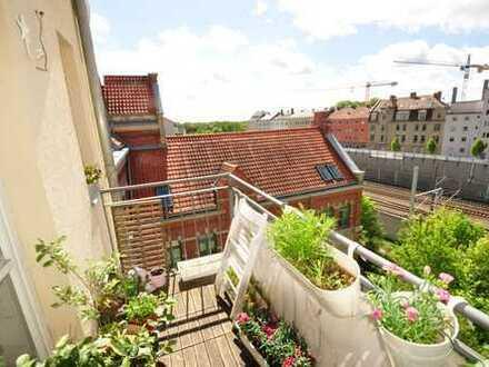 Jugendstilwohnung-Wohnung: Exklusive 3 ZKB, Balkon, Lift, Zentralheizung - Augsburg Bismarckviertel