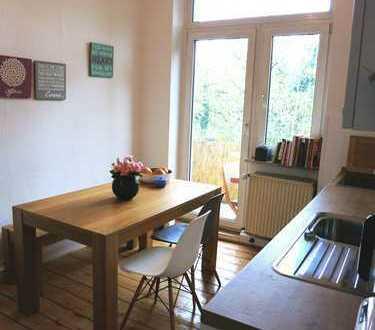 für Pendler: Zimmer in traumhafter Altbau-Wohnung mit Stuck und großem Balkon in Köln Zollstock