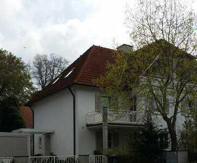 Exclusive DHH mit sieben Zimmern in Mindelheim Kreis Unterallgäu