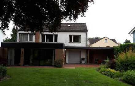 Traumlage: Großzügiges Einfamilienhaus mit imposantem Grundstück!