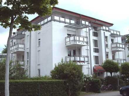 Schöne 1-Zimmer DG-Wohnung mit großer Terasse