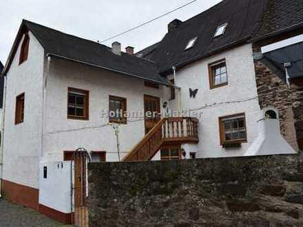 Schönes Haus mit Innenhof und separatem Gästehaus
