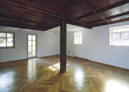 Außergewöhnliche 3-Zimmer-Erdgeschoss-Wohnung in Weinstadt