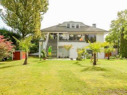 Exklusiv modernisiertes, freist. 1-2 FH in Bestlage * ca. 520 m² Wohn-/Nutzfl. * ca. 1.178 m² Grund