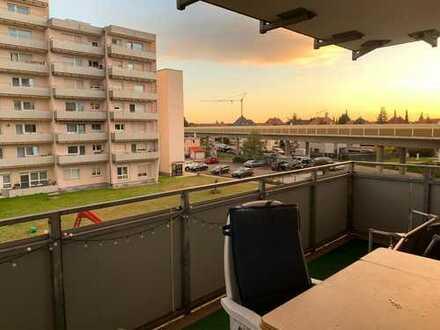 Modernisierte 3,5 Zi. ETW mit Balkon und TG-Stellplatz in Sandhausen--