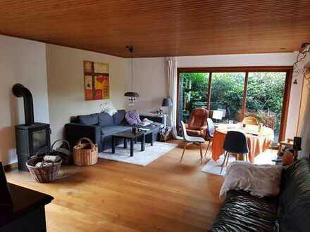 Wees 2 bis 3 Zimmer Mitnutzung Garage / Garten