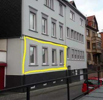 schöne helle, gepflegte 2-Zimmer-Wohnung mit Einbauküche in Idar-Oberstein