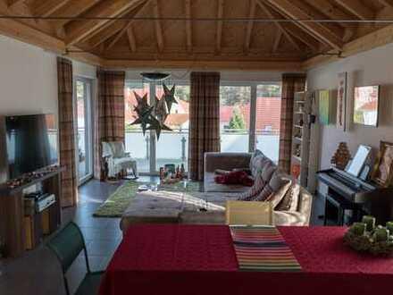 Sehr moderne Wohung mit 140 m², Speicher, viele Stauräume und wunderschöner Terasse.